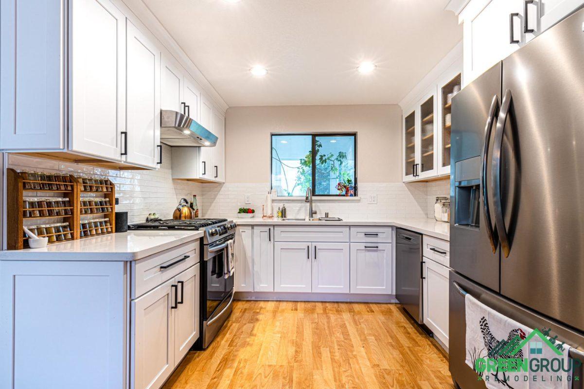 Kitchen space U-shape